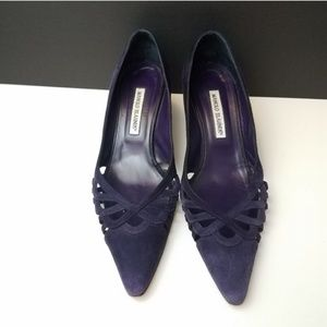 MANOLO BLAHNIK Purple Point Toe Suede Kitten Heels